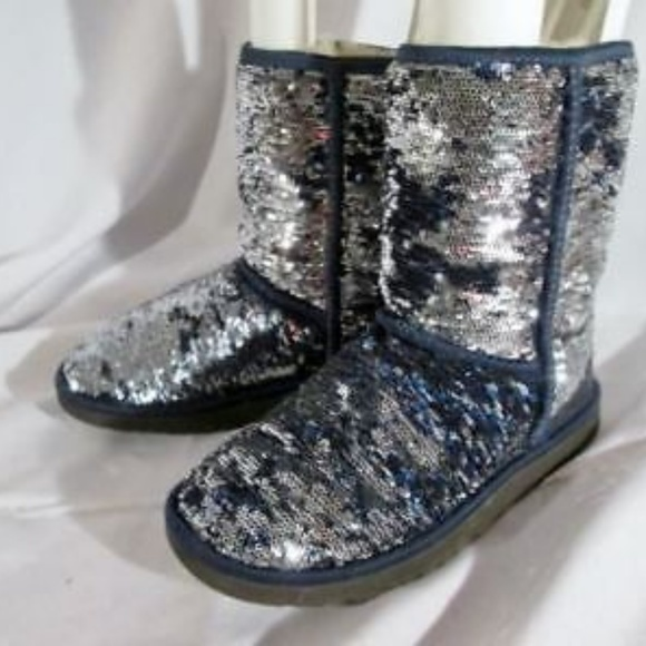 325a368fd05 UGG 1002765 CLASSIC SHORT SPARKLE boot BLUE SEQUIN